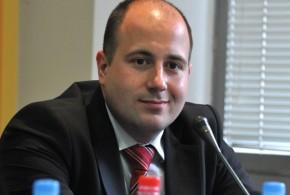 Козарев: Да Приштина убаци Србију у свој устав