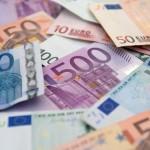 Eвро данас 122,65 динара