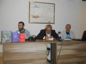 Милисав Савић на књижевној вечери најавио нову књигу