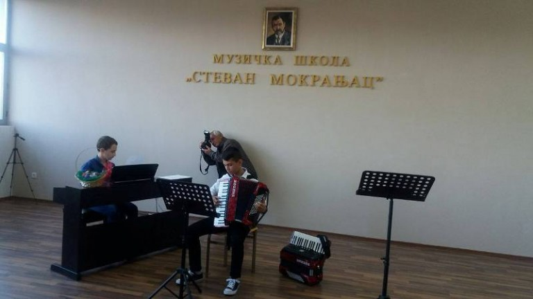 У Лапљем селу одржан велики Васкршњи концерт