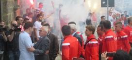 """Фудбалери """"Црвене звезде"""" дочекани у Грачаници"""