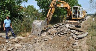 Изградња пута у насељу Падалиште