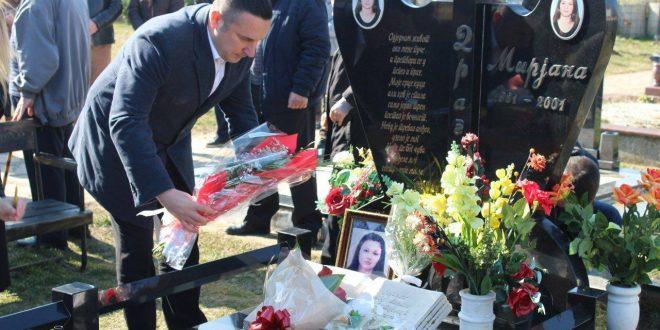 Обележено 17 година од злочина у Ливадицама