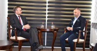 Јевтић са Норвешким амбасадором Сјастадом о подршци пројектима важним за српски народ