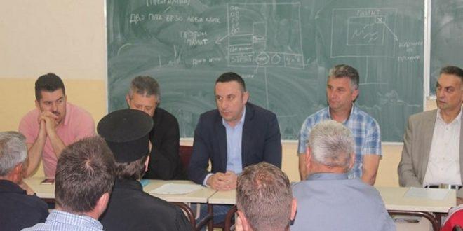 Председник општине Грачаница са мештанима Чаглавице