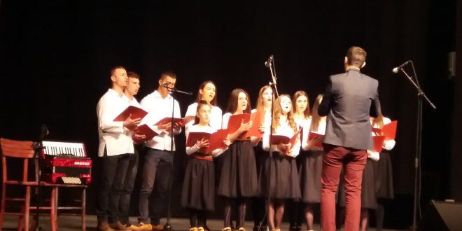 "Хор ""Симонида"" одржао новогодишњи концерт"