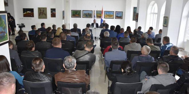 Вучевић у Грачаници: Колико вас има овде, толико има Србије на КиМ