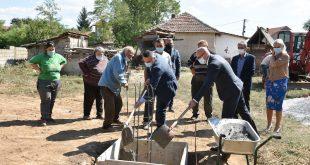 Ракић положио камен темељац за изградњу куће породици Крстић из Горње Гуштерице